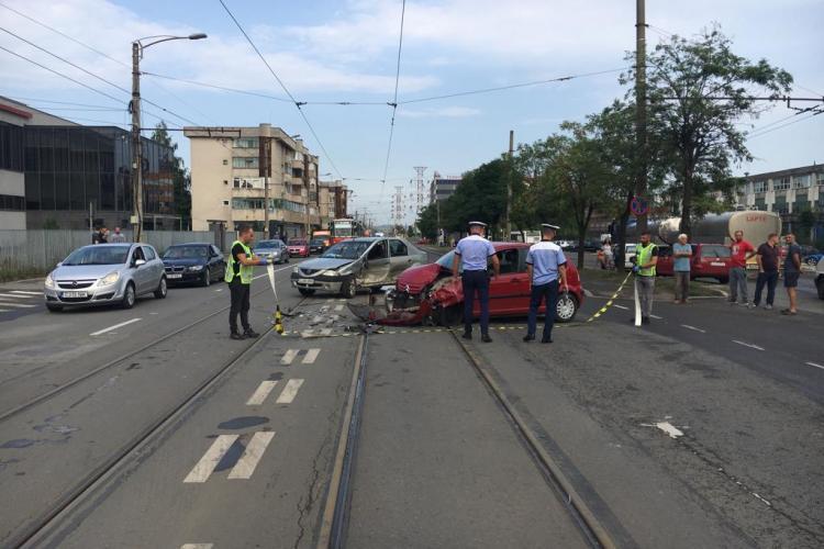 Accident cu victima pe Bulevardul Muncii. O șoferiță a fost rănită FOTO
