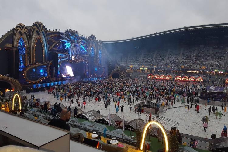 """""""Regele"""" Armin pe scenă la Untold la 6.00 dimineața! Mulțimea i-a cerut să continue - FOTO"""