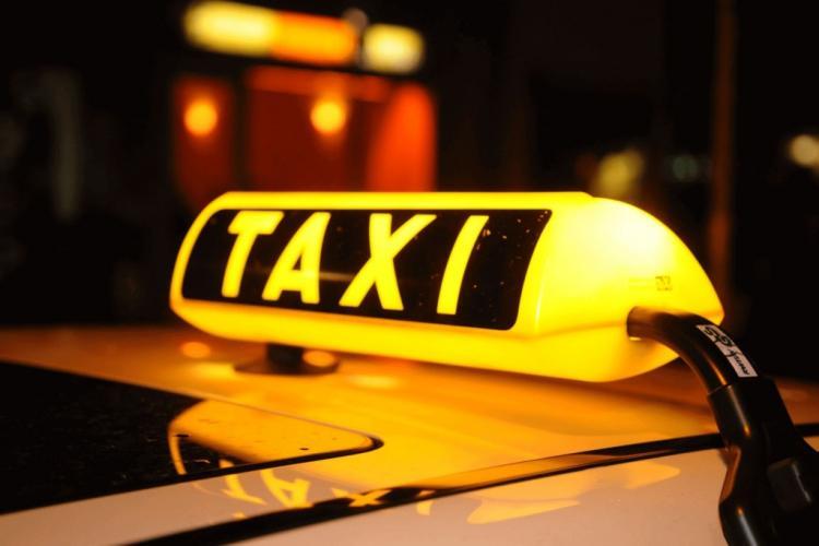Caz halucinant la Cluj. Bătut de un taximetrist și batjocorit de Poliție și sistemul medical