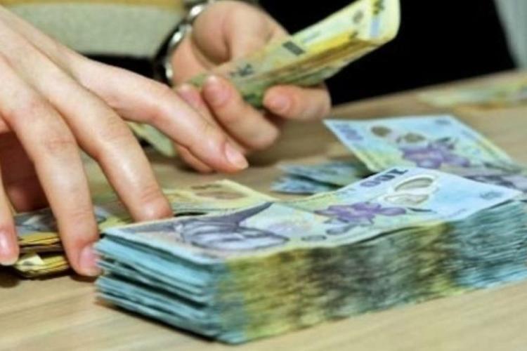 Guvernul vrea plafonarea pensiilor speciale la 10.000 de lei, dar aruncă mingea la parlamentari