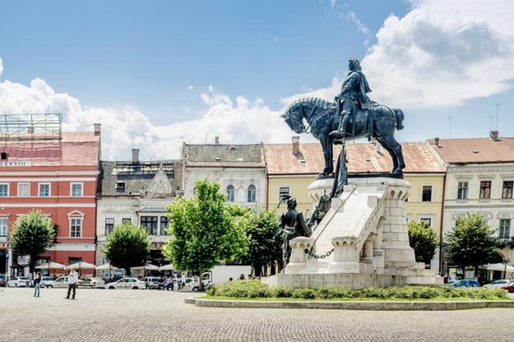 Cea mai lingușitoare postare făcută VREODATĂ despre Cluj: Însuși Dumnezeu a oferit îndrumare
