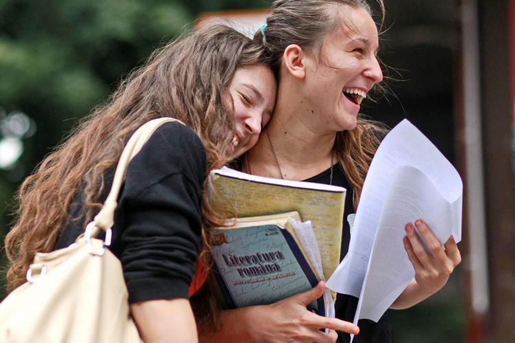Cluj: Cine sunt absolvenții cu ZECE de la BAC și ce vise și așteptări au în România
