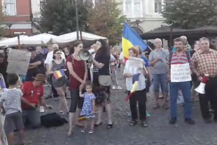 Aproape 1000 de protestatari au ieșit în strada la Cluj VIDEO
