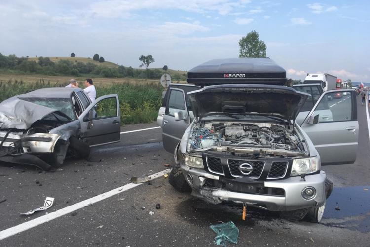 Accident grav pe drumul Cluj - Oradea. Patru persoane au fost rănite FOTO