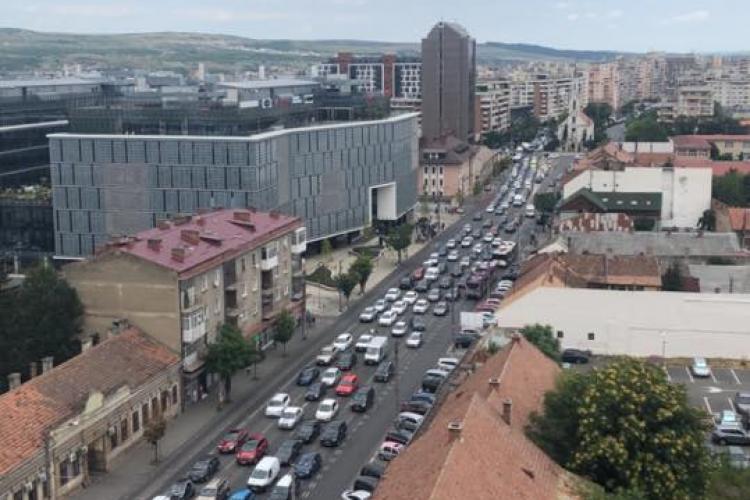 Trafic INFERNAL în Cluj-Napoca. Ce soluții sunt? - FOTO