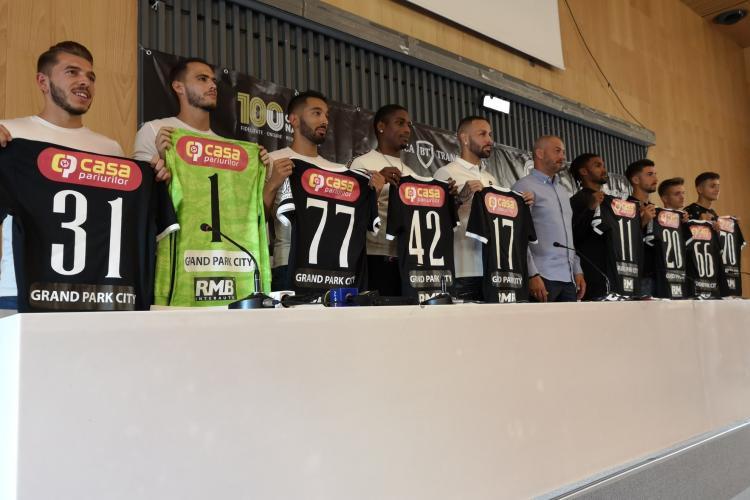 U Cluj și-a prezentat achizițiile cu care va lupta pentru promovarea în Liga 1 - FOTO