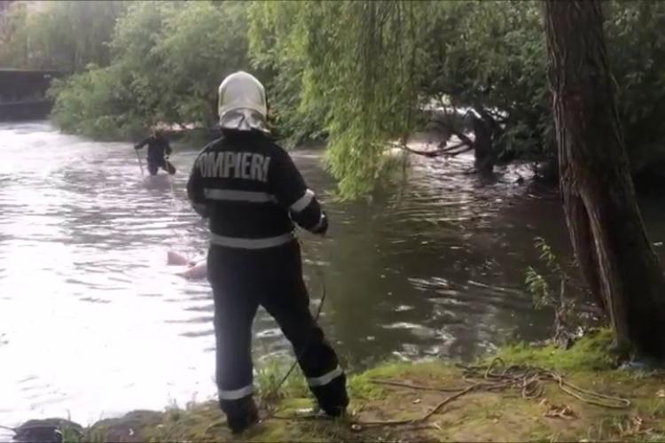 Înecat găsit pe Someș, în zona Plevnei, în zona industrială a Clujului - VIDEO