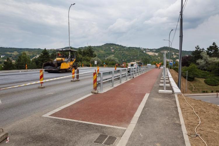 """Lucrările de modernizare a """"Podului N"""" din Mănătur, mai aproape de finalizare. Când se deschide complet traficul"""