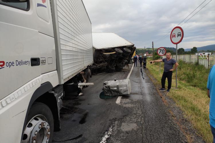 Accident la Capușu Mare pe direcția spre Huedin - FOTO
