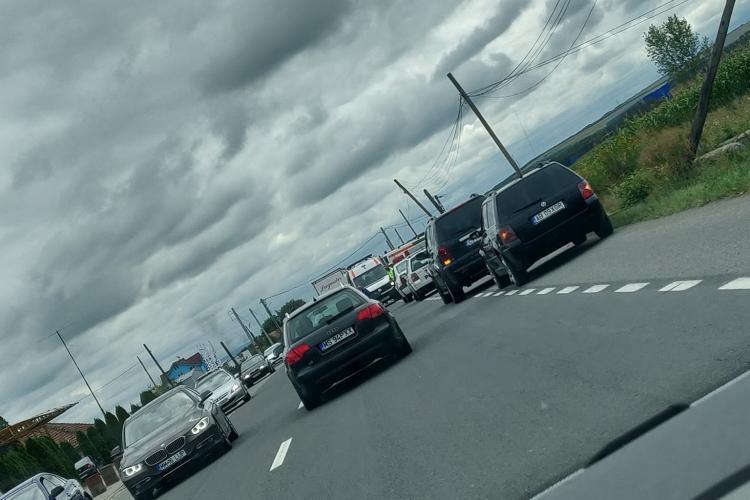 Accident la Iclod. O mașină s-a răsturnat FOTO