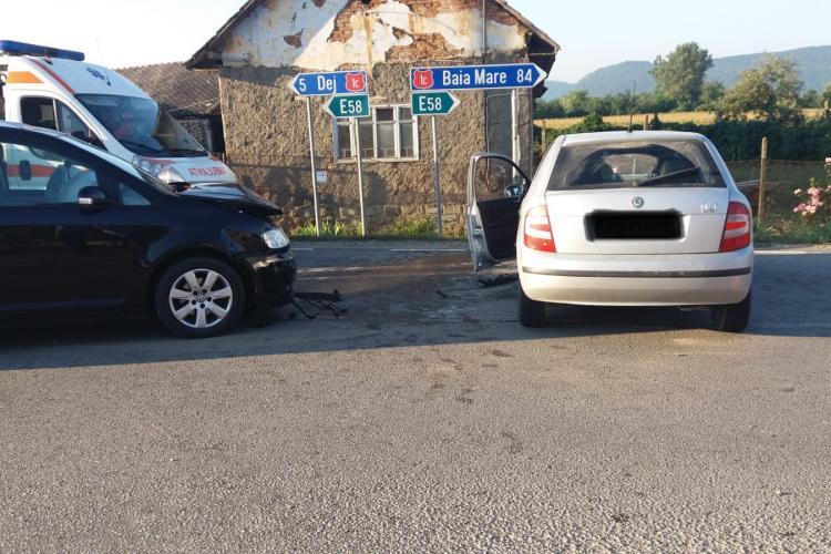 CLUJ Un șofer neatent a fost rănit, după ce a cauzat un accident FOTO