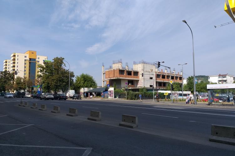 Ecologiștii îi cer lui Emil Boc să răspundă pentru haosul de la clădirile Tower / Mănăștur