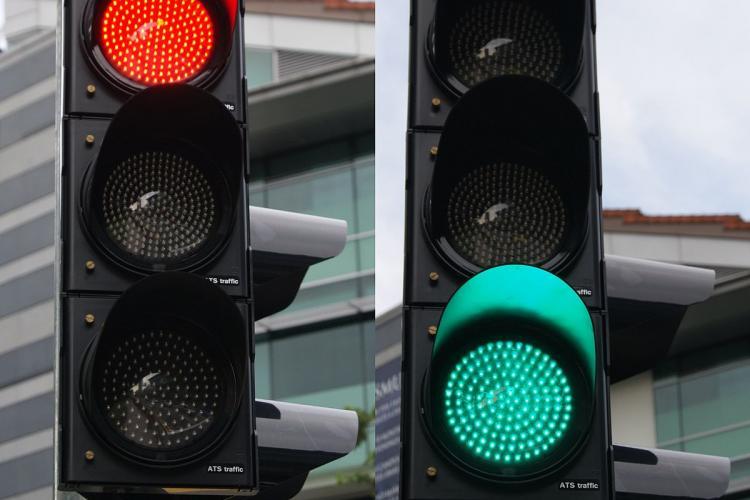 Semafor la intersecția străzilor Capitan Grigore Ignat cu Traian Vuia și noi treceri de pietoni
