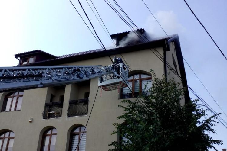 Incendiu la o vilă de pe strada Ioan Budai Deleanu, din Andrei Mureșanu - FOTO