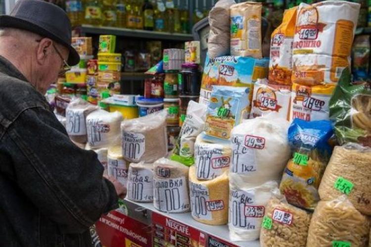 Alimentele de bază s-au scumpit cu 20%