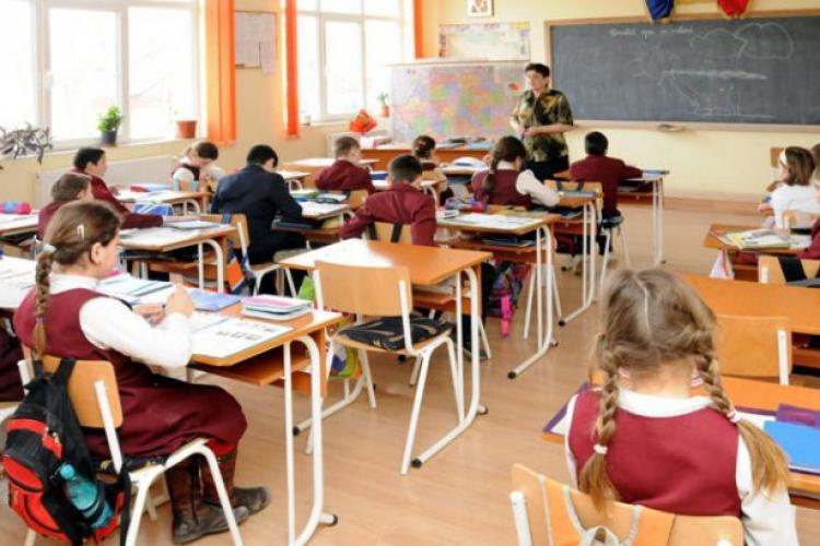 Școala din Florești va fi inaugurată în 9 septembrie. Creșa din Cetatea Fetei este terminată - VIDEO
