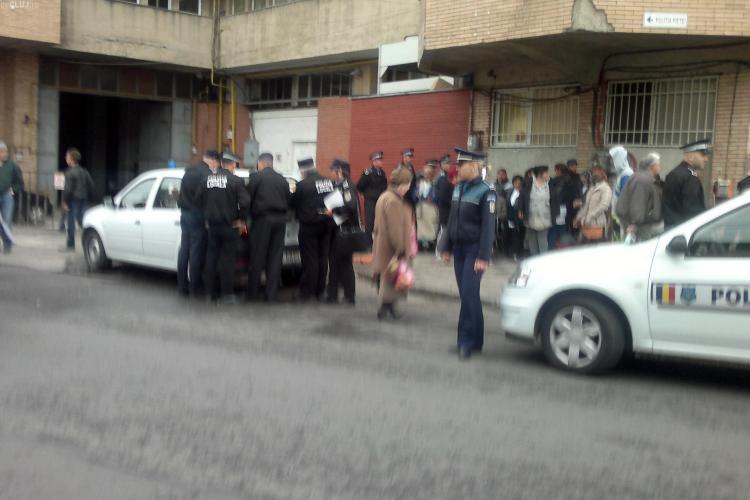 Poliția a descins la Piața Mihai Viteazu din Cluj-Napoca
