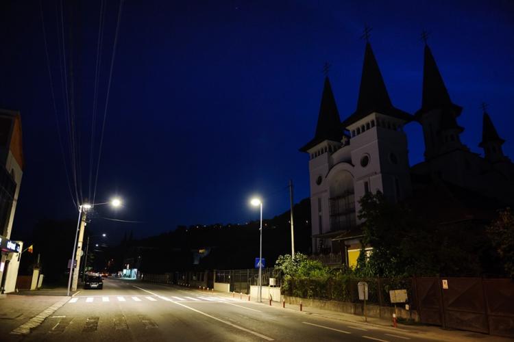 """Primăria Cluj-Napoca """"suprailuminează"""" 63 treceri de pietoni din oraș"""