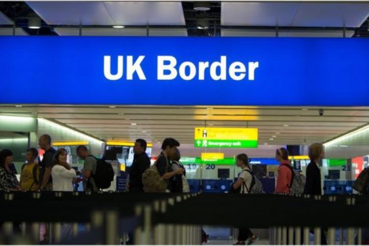 Marea Britanie va introduce controale vamale dure după ieşirea din Uniunea Europeană