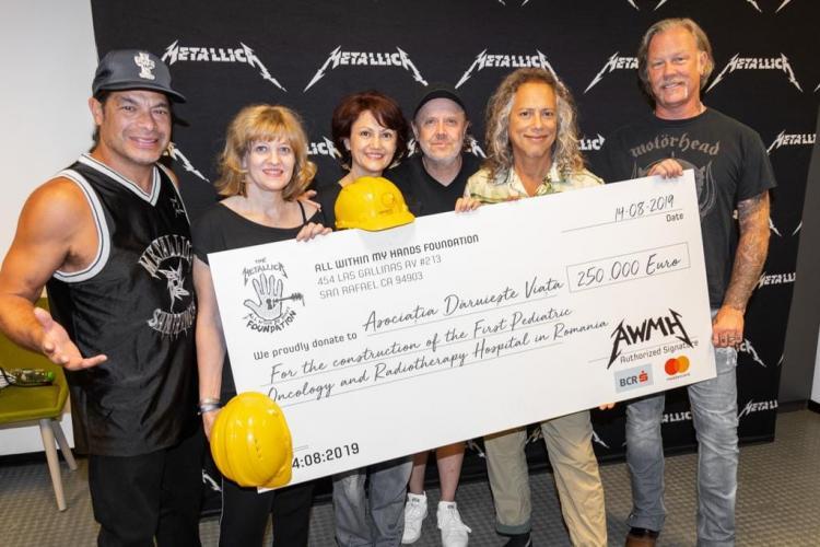 """Metallica a donat 250.000 de euro pentru spitalul oncologic pentru copii, construit de """"Dăruiește viața"""""""