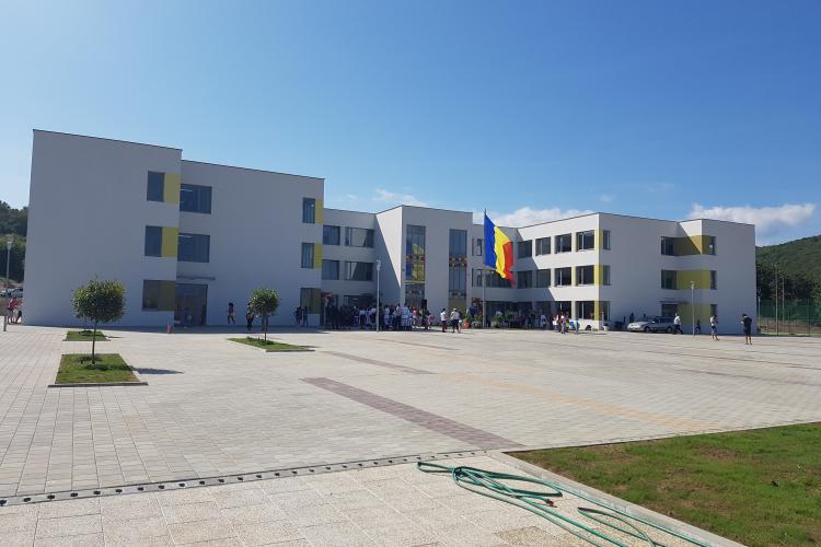 În Florești a fost inaugurată prima şcoală construită de la zero după 1990, din judeţul Cluj - VIDEO