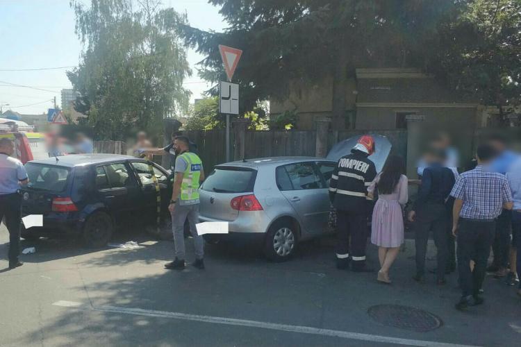 Accident pe strada Dunării, intersecție cu strada Între Lacuri - FOTO