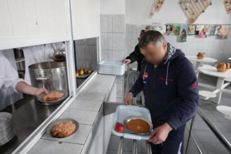 Un deţinut de la Aiud a făcut plângere pentru că nu a primit meniul dorit în închisoare