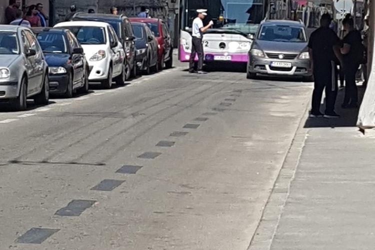 """Gibon cu permis"" pe strada Frederic J. Curie - FOTO"