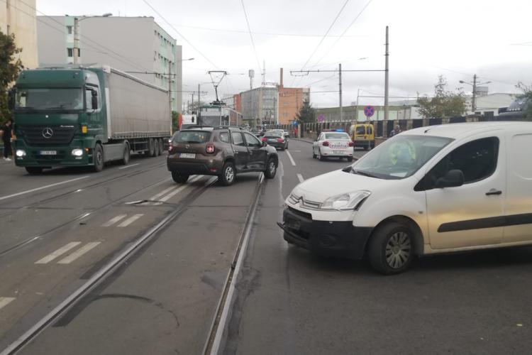 Accident cu o victimă pe Bulevardul Muncii, cauzat de un șofer neatent FOTO