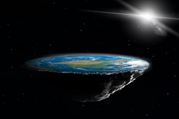Au venit la Cluj adepţii teoriei Pământului Plat: Imaginile cu Pământul din spaţiu pe care ni le oferă NASA sunt trucate