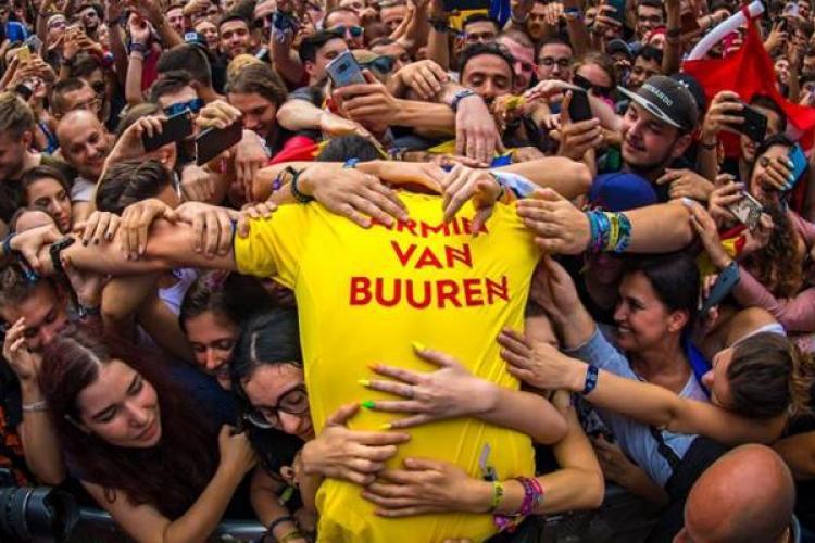 """Performanță incredibilă pentru Untold. Armin a """"rupt"""" topul Billboard"""