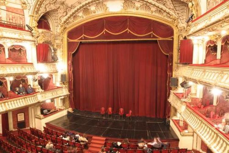 Teatrul Național Cluj-Napoca a triplat salariile, dar nu mai are bani de spectacole