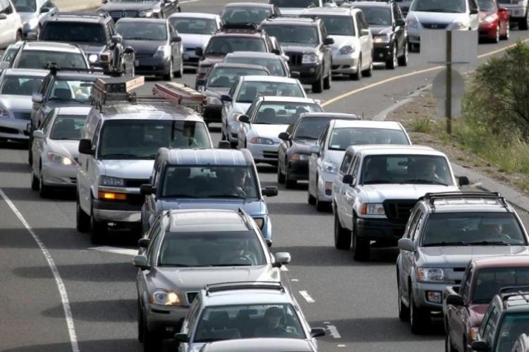 Eurostat: Europenii circulă cel mai mult cu autoturismul propriu