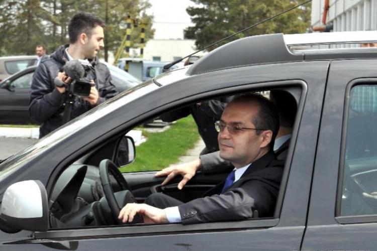 Boc le declară război studenților cu mașini. Lăsați-le acasă