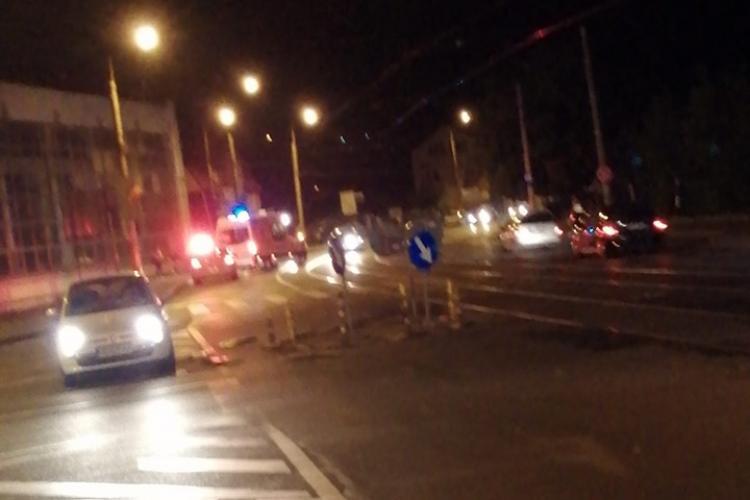 Pieton lovit de mașină în stația de tramvai pe Bulevardul Muncii - FOTO
