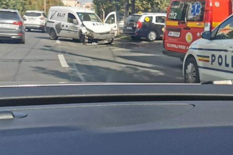 Accident pe Nicolae Titulescu. Neacordare de prioritate - FOTO