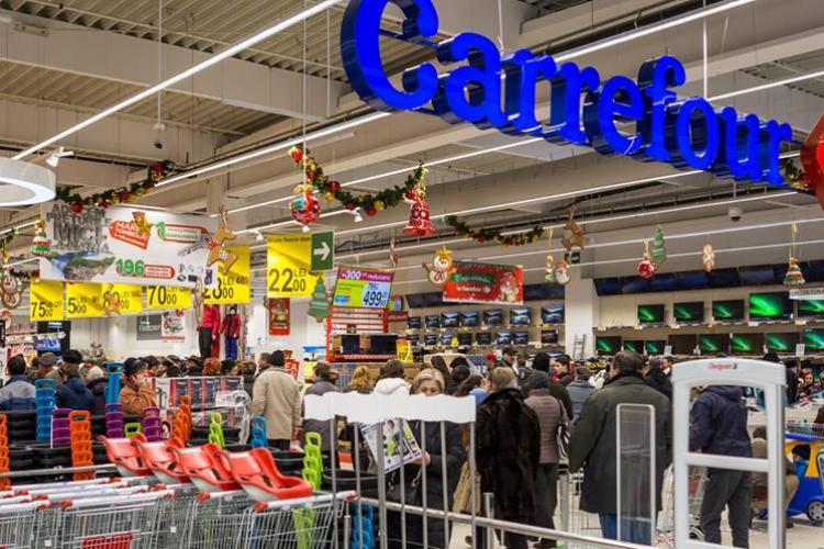 OPC Cluj a închis trei magazine Carrefour Express, pentru igienă și probleme cu prețurile