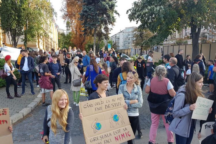 """""""Marșul pentru climă"""" la Cluj-Napoca. Copiii au cerut să se oprească defrișările și poluarea - FOTO/VIDEO"""