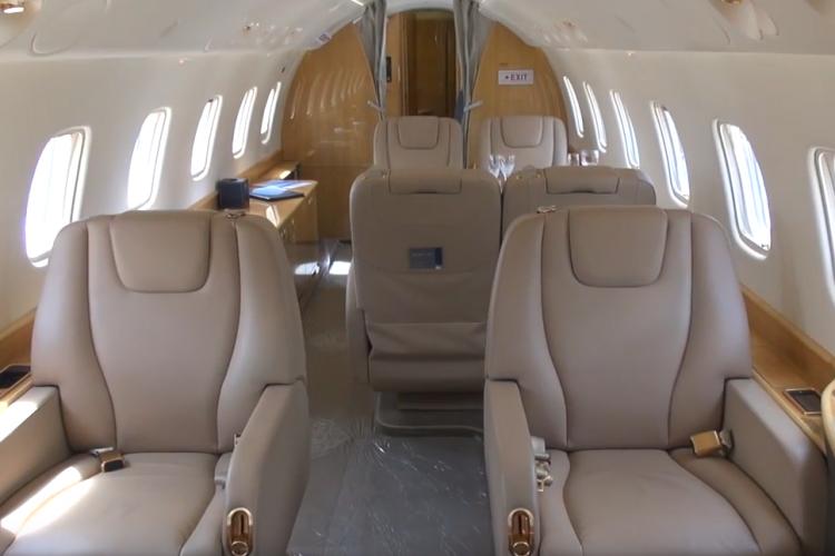 Iohannis a plecat de la Cluj cu un avion privat neînregistrat în România