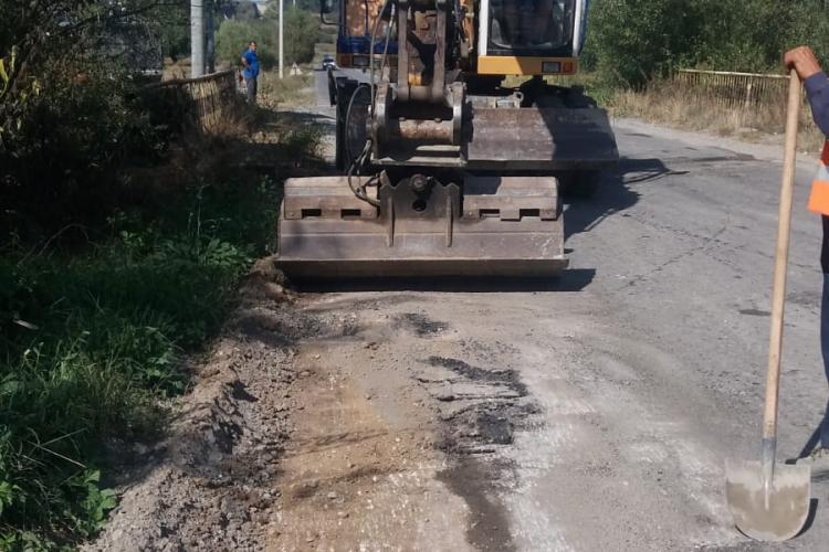 Șefii județului Cluj nu au fost în stare să asfalteze drumul Săvădisla - Băişoara - Buru. Acum îl peticesc cu plombe