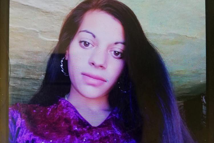 Adolescentă dipărută de acasă, căutată de polițiști și familie. Ați văzut-o? FOTO