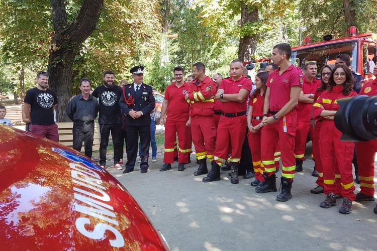 Bărboșii au donat o ambulanta noua SMURD Cluj - VIDEO