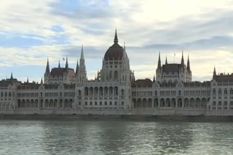 Românii din Budapesta nu au școală sau instituții românești. Au primit bine caravana TVR - VIDEO