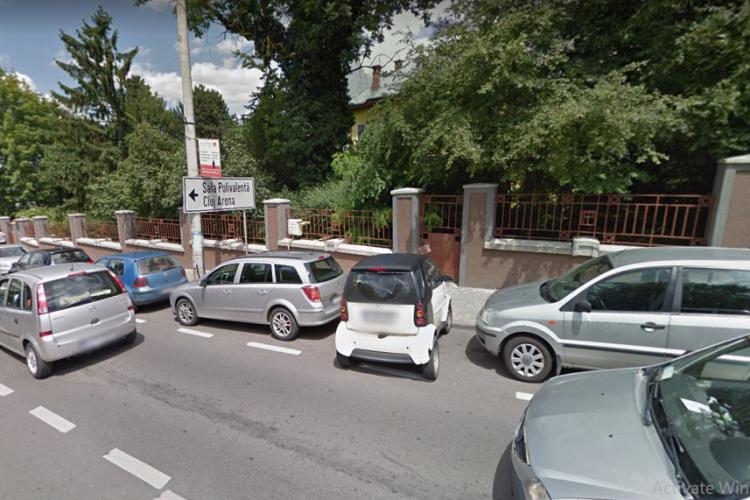 Boc taie locurile de parcare de pe strada Republicii. Unde să se mute mașinile