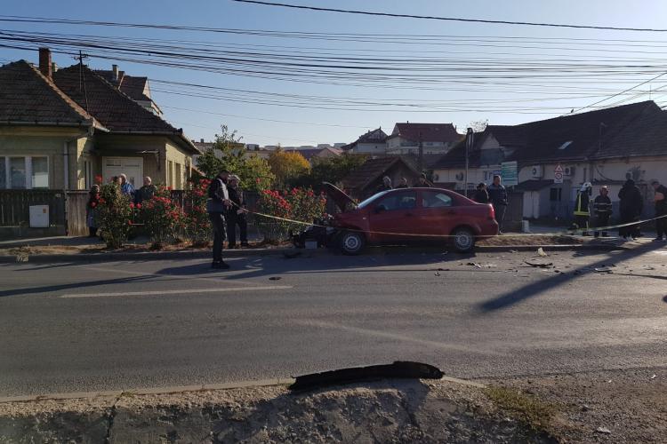 Accident în Apahida! Și-a făcut praf mașina din cauza lipsei vizibilității. Localnicii sunt revoltați - FOTO/VIDEO