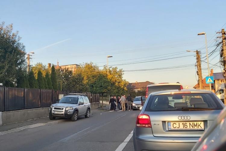 Cluj: Mamă lovita de mașină în timp ce traversa strada cu copilul în brațe