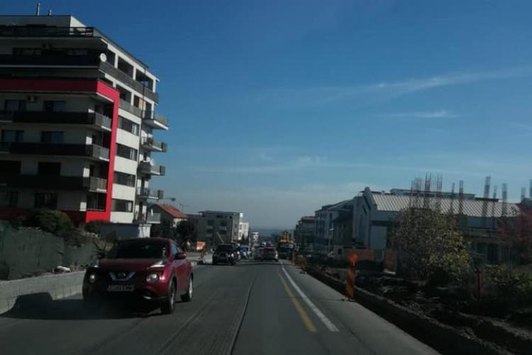 """Lucrările de pe strada Bună Ziua sunt """"prost semnalizate și un pericol"""" - FOTO"""