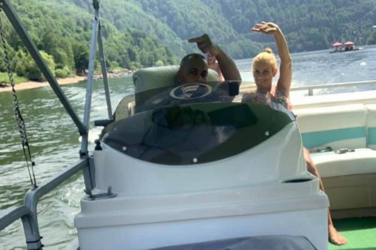 """Mesajul HALUCINANT al cetățeanului arab cu ponton la Tarnița: """"Tot săraci rămâneți, tot rupți în cur, tot rupeți bările prin autobuze"""""""