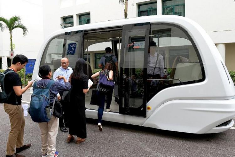 La Cluj e ca în SF -uri: Va fi introdus un autobuz fără șofer pe o linie în centrul Clujului - VIDEO