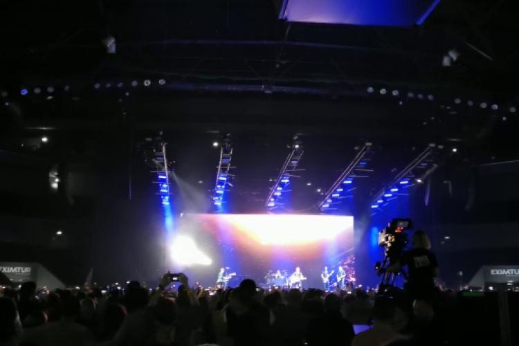 Atmosferă de senzație la concertul Bryan Adams de la Cluj - VIDEO